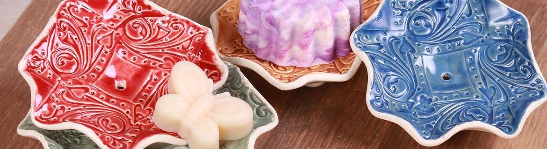Dekorative Seifenschalen von Nelumbo Kosmetik verschönern Ihr Bad.